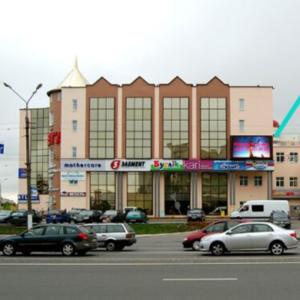 Экран на фасаде ТЦ «МЕГА» г.Витебск